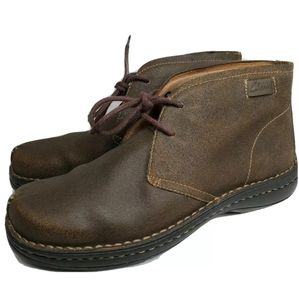 Vintage Clarks Mens Size 9.5 M Brown Leather Boots